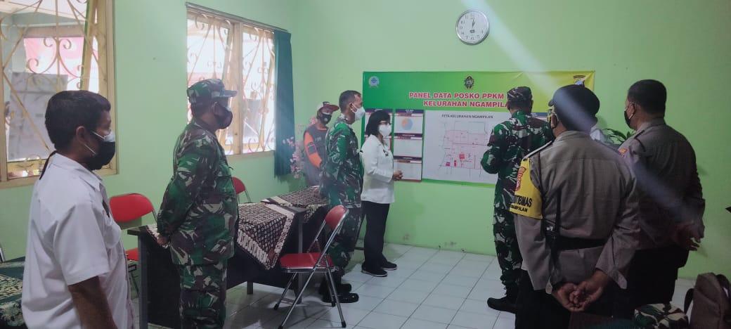 Kunjungan Komandan Kodim 0274 ke Posko PPKM Kelurahan Ngampilan