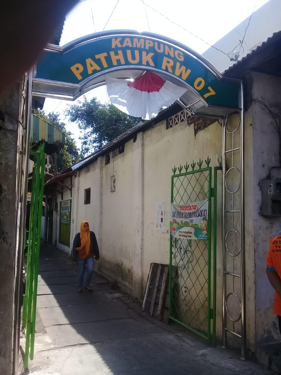 Rehap Gapura penanda jalan/gang di wilayah Kelurahan Ngampilan