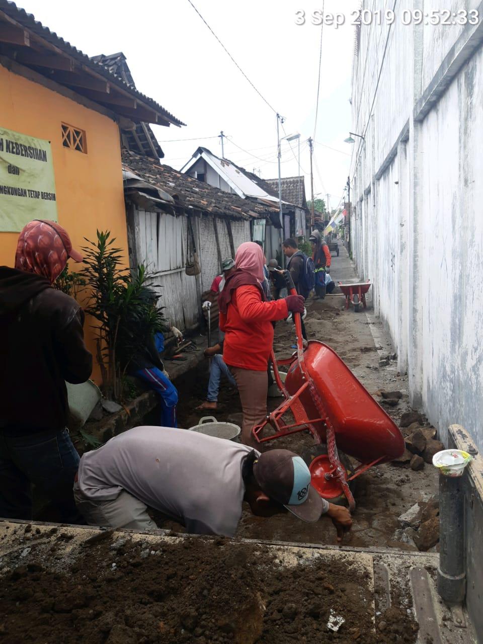 Rehab Conblok di Jalan Ngapur