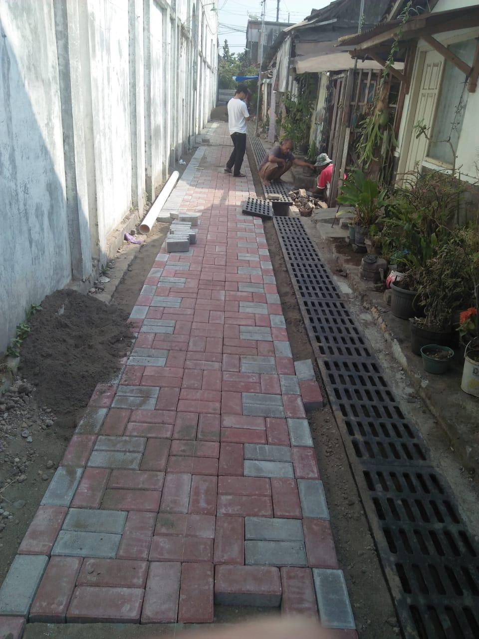 Pekerjaan SAH dan paving di Jl Ngapur